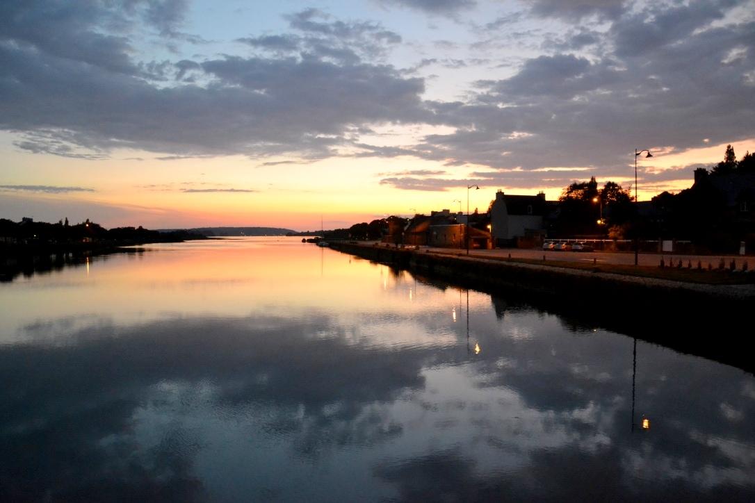 La rivière du Faou se jette dans la rade : en face, Landévennec et la Presqu'île de Crozon